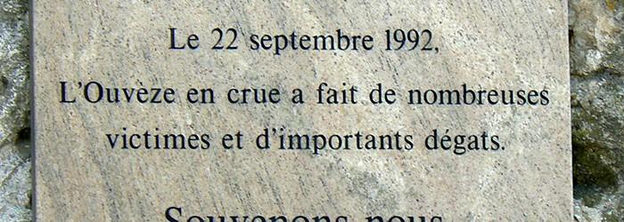 En mémoire de la crue de Vaison-la-Romaine de 1992 - Copyright : ARPE