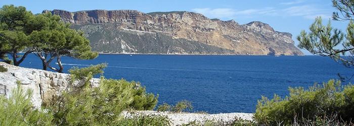 Calanque de Cassis avec vue sur le Cap Canaille - Copyright : ARPE PACA