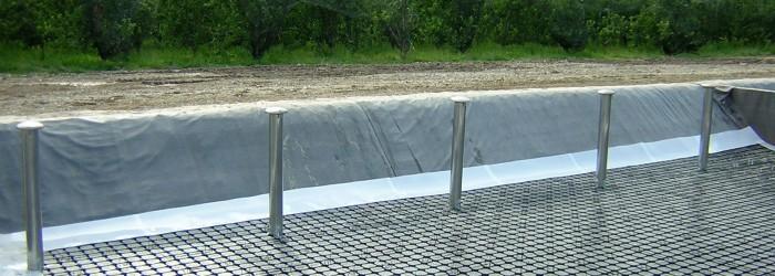 Mise en place de lits de roseaux à Anthonaves (05) - Copyright : ARPE PACA