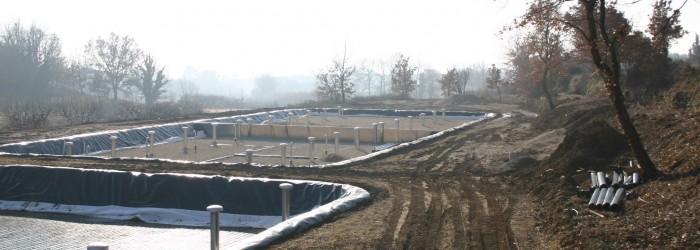 Mise en place de lits de roseaux à Vaugines (84) : Copyright : ARPE PACA