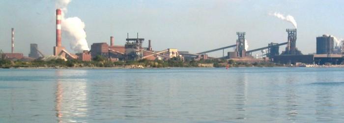 Paysage industriel sur les rives de l'Etang de Berre - Copyright : ARPE PACA